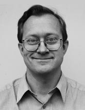 Lennart Månsson håller Astrakans kurser i Java och apputveckling med Swift.